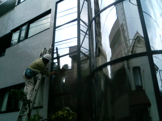 高所窓拭き−2(中央ビソウ)