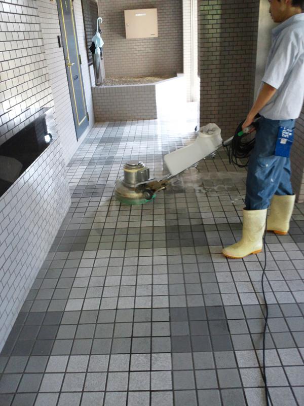 大阪市マンション定期清掃 廊下清掃 株式会社ソウア