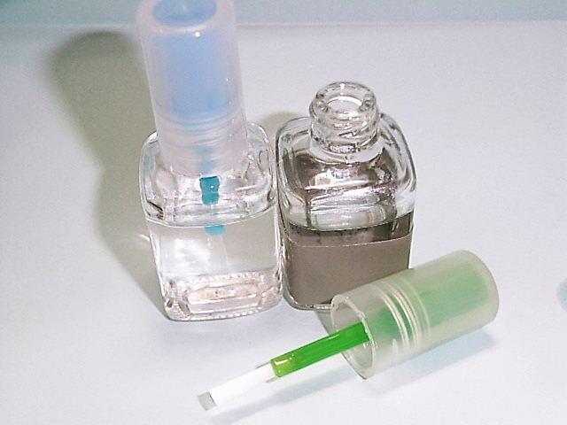 マニュうキア容器を溶剤入れに使用