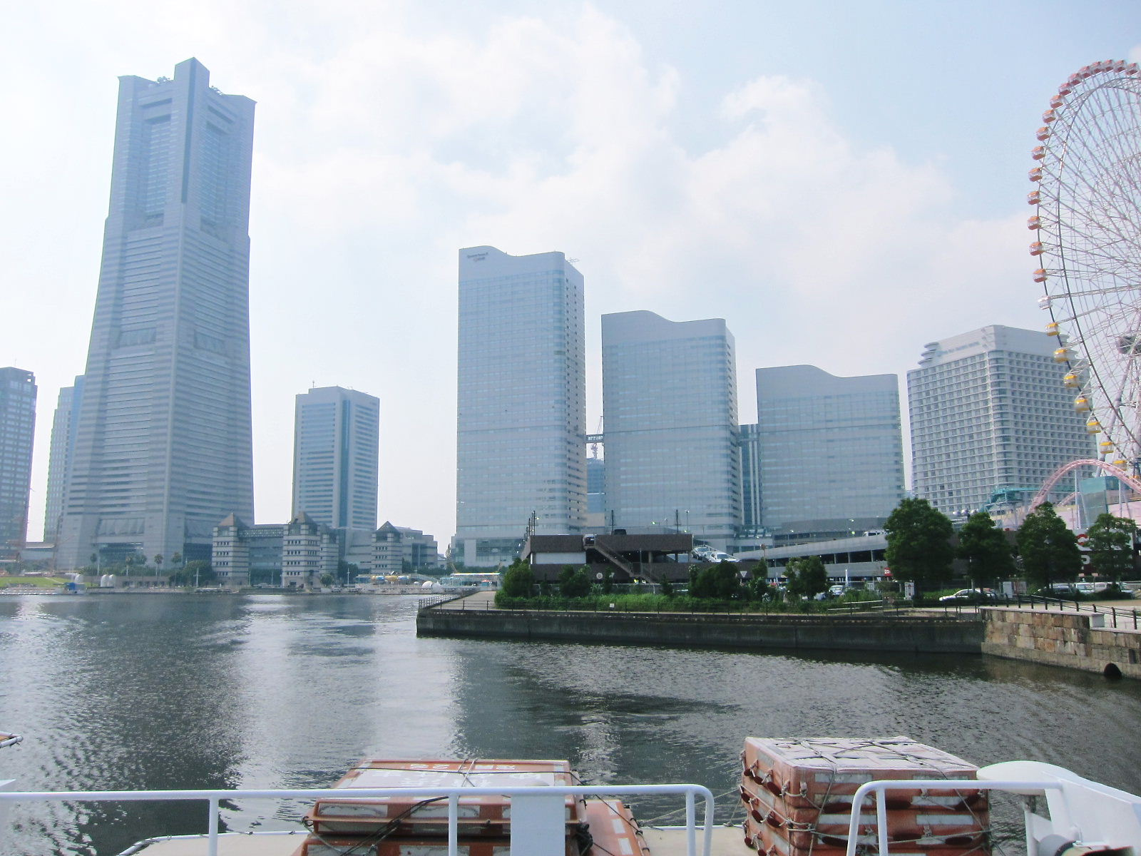 横浜ウオータフロント