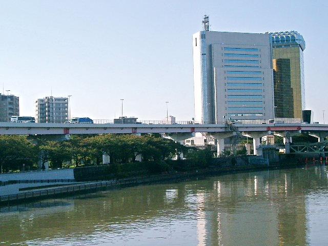 数年後には新東京タワーが建ちます。